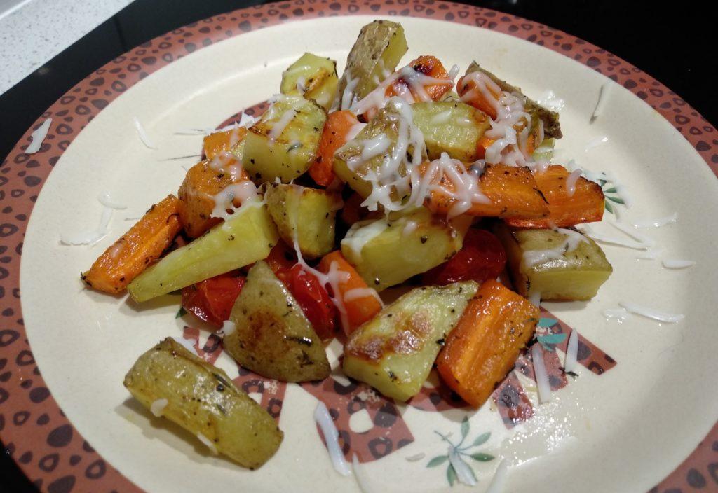 Pieczone warzywa z kozim serem i z domowym ketchupem