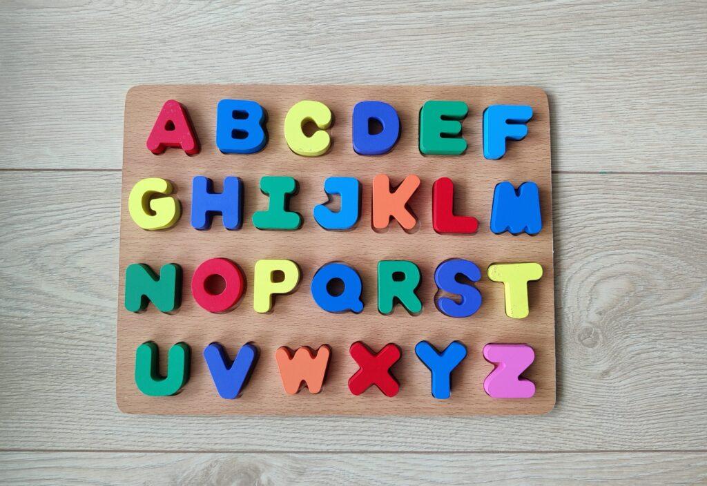 Nauka literek dla dzieci - najlepsze zabawki